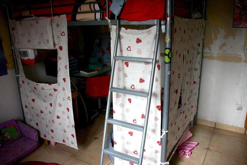 habillage de mezzanine chez bouboulette. Black Bedroom Furniture Sets. Home Design Ideas